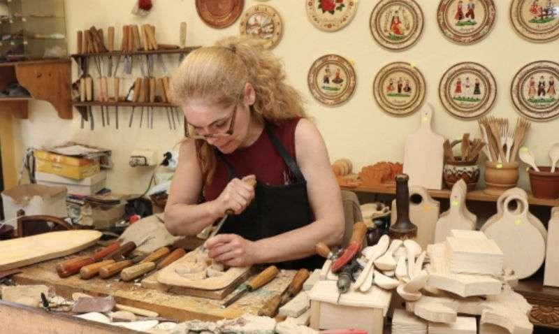 artesano-madera-veliko-tarnovo