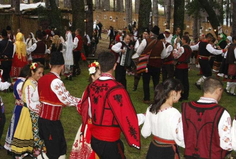 festival-folclore-zheravna-bulgaria