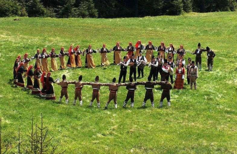 horo-bailes-tipicos-bulgaria
