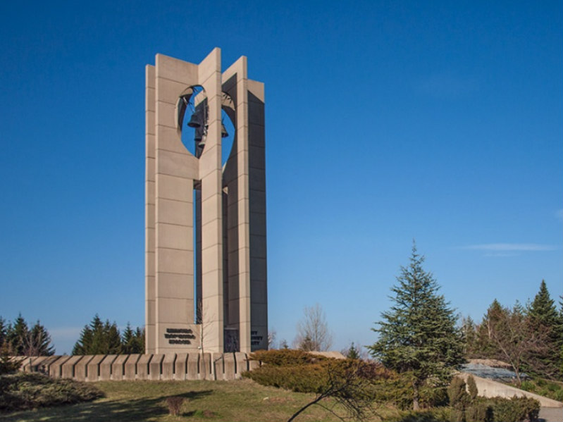 monumento-camabinte-sofia-bulgaria